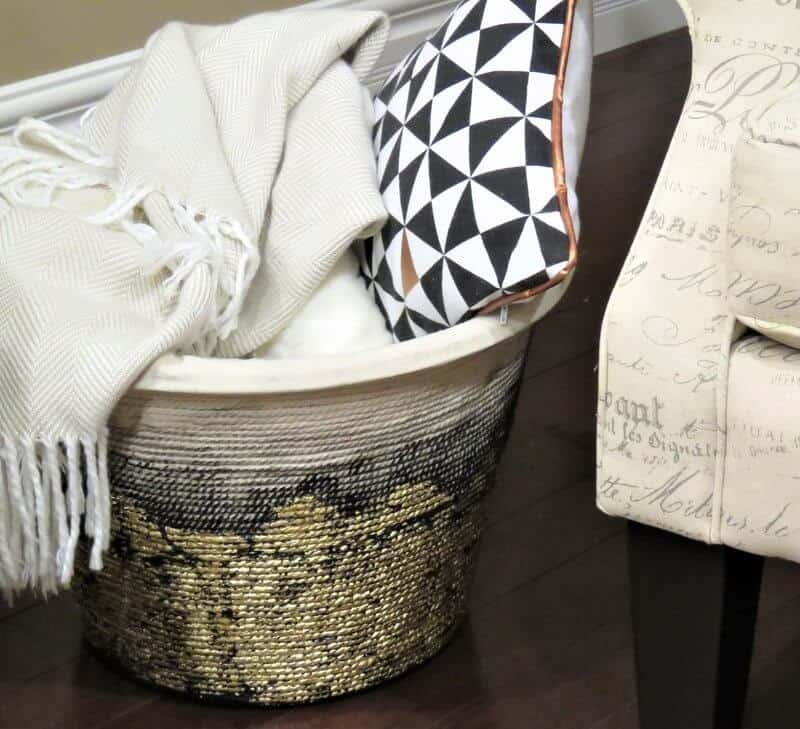 Here is a DIY Metallic rope basket designed using dollar store products! #DIY #Dollarstorehacks #dollarstore