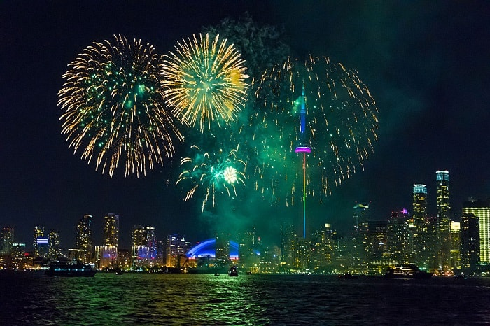 canada day fireworks in toronto. Enjoy yourself on Canada Day in Toronto by watching the amazing fireworks #CanadaDay #Toronto