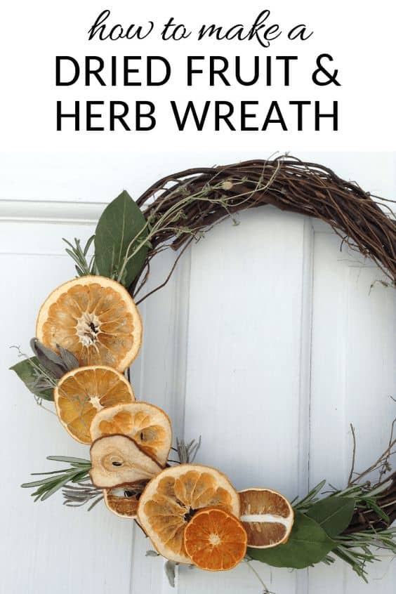 How to make dried fruit and herb wreathe cheaply! Get the full tutorial here #wreath #DIYProjects