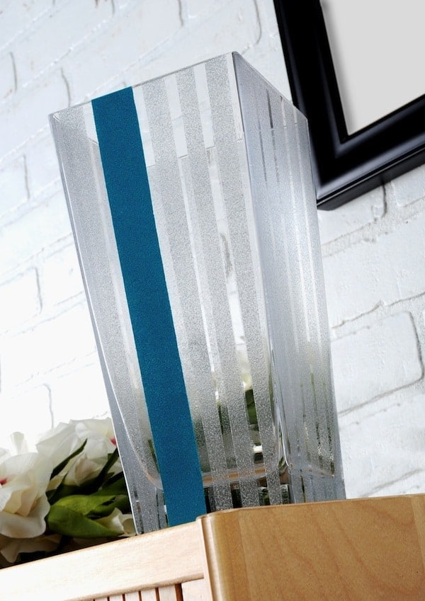How to turn a simple DIY dollar store vase into something gorgeous to decorate your home #diydecor #dollarstore