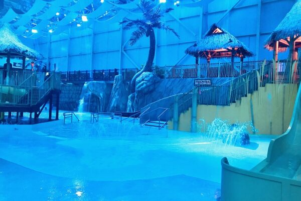 Indoor Water park in Quebec