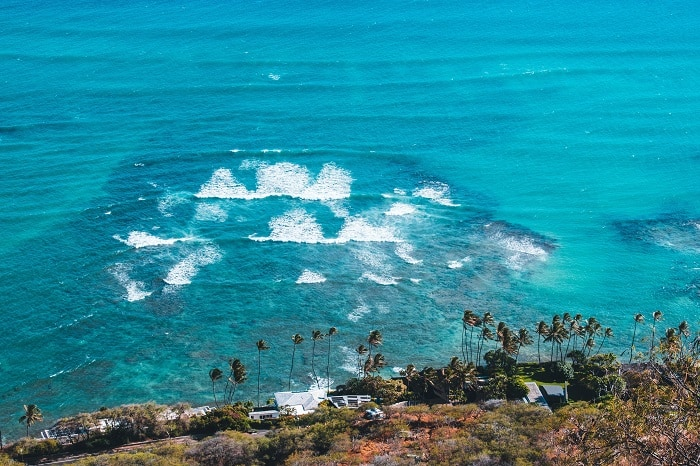 Diamond Head in Hawaii. Are you thinking of visiting Oahu, in Hawaii? Here are the best places to visit to Oahu, Hawaii! #hawaii #destinationlocation