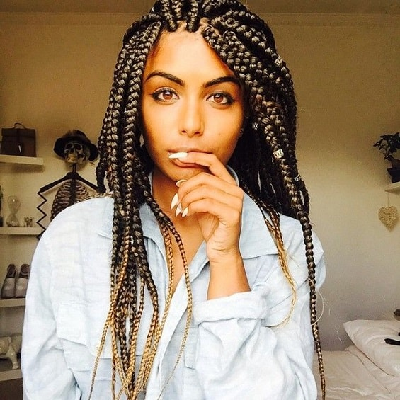 Here is a box braid that are awesome. Tips for styling boxed braids.