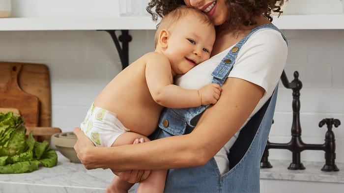 Here are a few work from home jobs for Canadian moms to try out today. Work from home today and make some extra money to pay for bills #workfromhome #canadianmom
