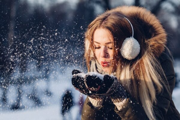 Winter activies in Ottawa. If you are looking for fun things to do in Ottawa in Winter, look no further than what we have in store. We have a list all the great things you can do in Ottawa in winter #winterlude #winterinOttawa #Ottawawinters