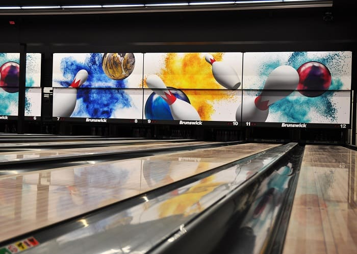 The best bowling alley in Ottawa for couples!