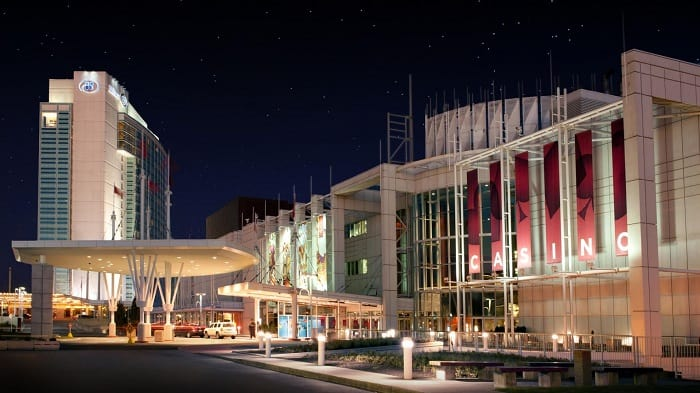 Visit the Casino Lac Leamy. If you are looking for things to do, be sure to check out this venue! #lacleamy