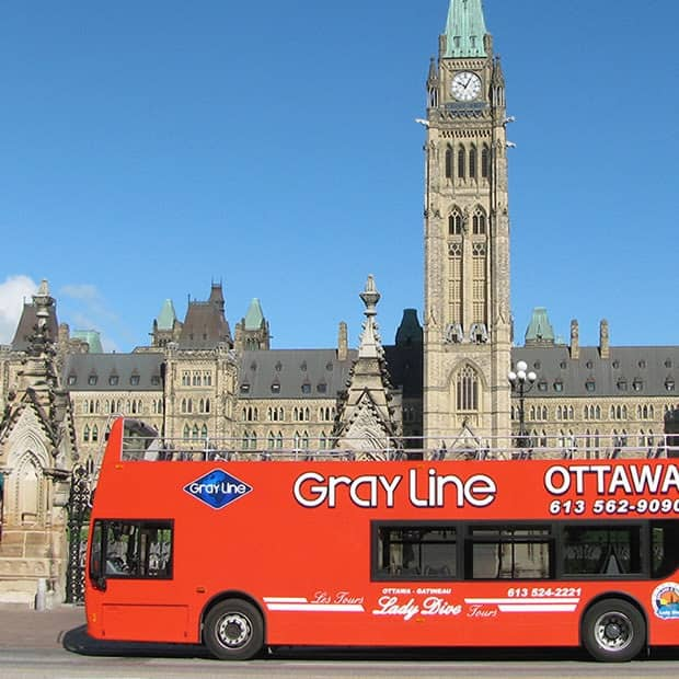 Rediscover Ottawa for your next date by taking a tour in Ottawa