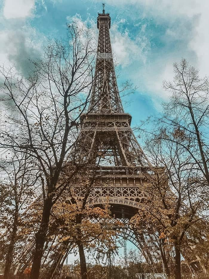 Visit the Eiffel tower on your 3 day trip to Paris! Here is how to spend three days in Paris like a local!