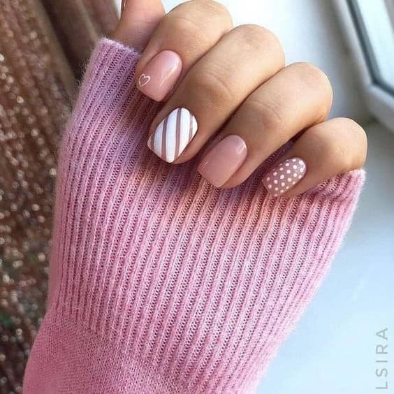 Trendy Nails for Valentines day Valentine's Day is such a fun, extra holiday that can be done in a really classy way. I love decorating my home, baking, finding a gorgeous outfit, and even doing my nails for the holiday.