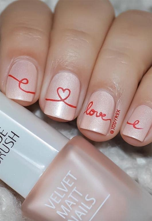 Its all about love on Valentines day. Here are some hot valentine's day nail designs, between gel valentine nails designs, valentine's day press-on nails, and color street nails!