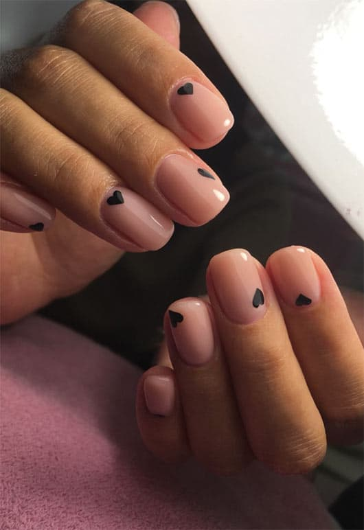 Trendy Valentine's Day Nails For 2021 | Browse these beautiful Valentines nails and Valentines day nails #valentinesnails #valentinesdaynails
