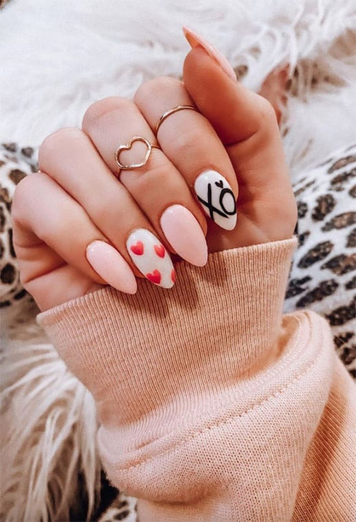 Valentines Day nails Valentines Day nail designs art ideas. Do you already have an idea for your Valentine's Day nails for the new decade? We've selected all kinds of Valentine's Day nail designs that range from simple to complex!