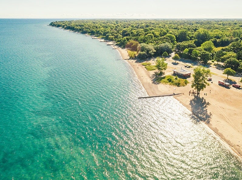 Sarnia Cantara Beach In Ontario. Does Sarnia have a beach? Yes they do and it's gorgeous. It has one of the best beaches in Ontario.